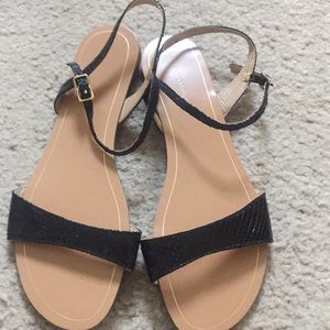 NWOT Sandals 7.5